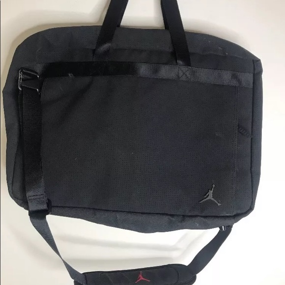 b2787b2033e Nike Air Jordan Jumpman Bag Messenger Black. M_5c33569faa877069ea818bd0